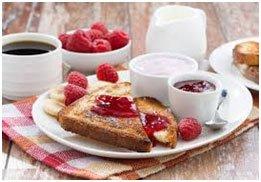 Un plateau d'un petit-déjeuner alléchant @Pixabay