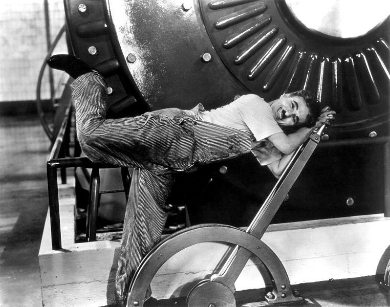 """Charlie Chaplin dans le fim """"Temps modernes"""""""